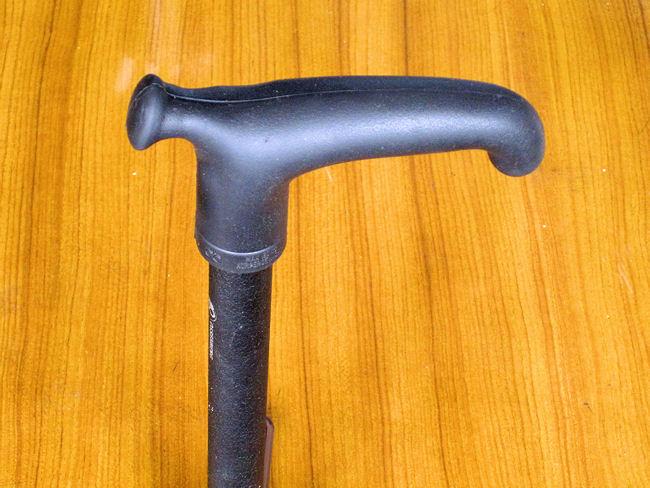 オッセンベルグ製杖のグリップ