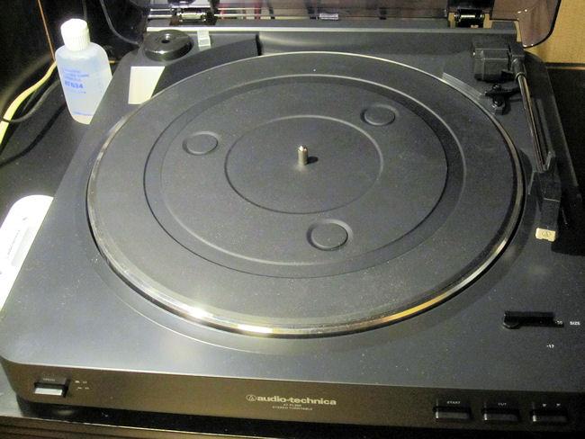 レコードプレーヤーAT-PL300(ターンテーブルシートの裏オモテ)