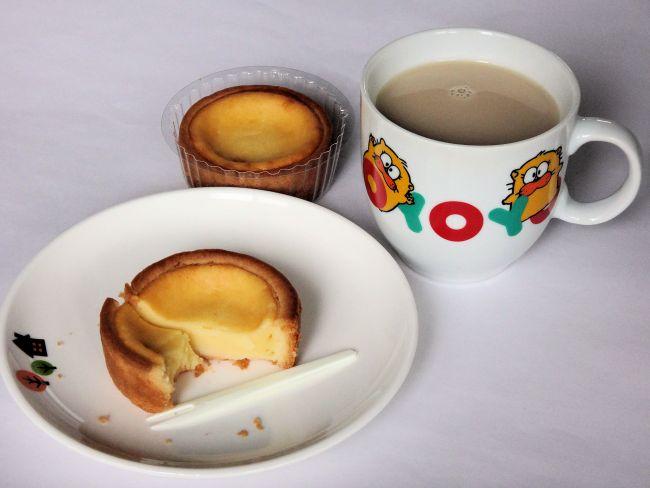 柏屋のチーズケーキ檸檬(れも)となんちゃってカフェオレ