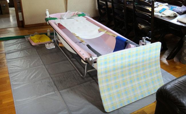 訪問入浴車(バスタブの設置完了)