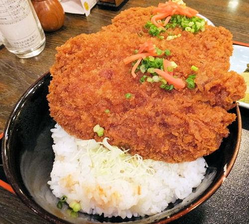 姫豚厚切りかつ丼/仲見世(埼玉県・西武秩父駅)